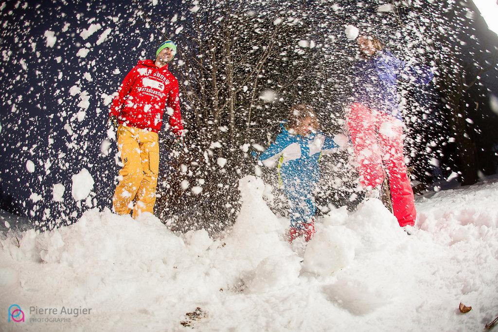 alpes alpes du nord alps annecy famille french haute-savoie hiver la clusaz les confins les rhodos luge mariage mariage à la montage mariage au ski mariage hiver montagne neige savoie séance famille ski snow snowboard trash the dress wedding photo session