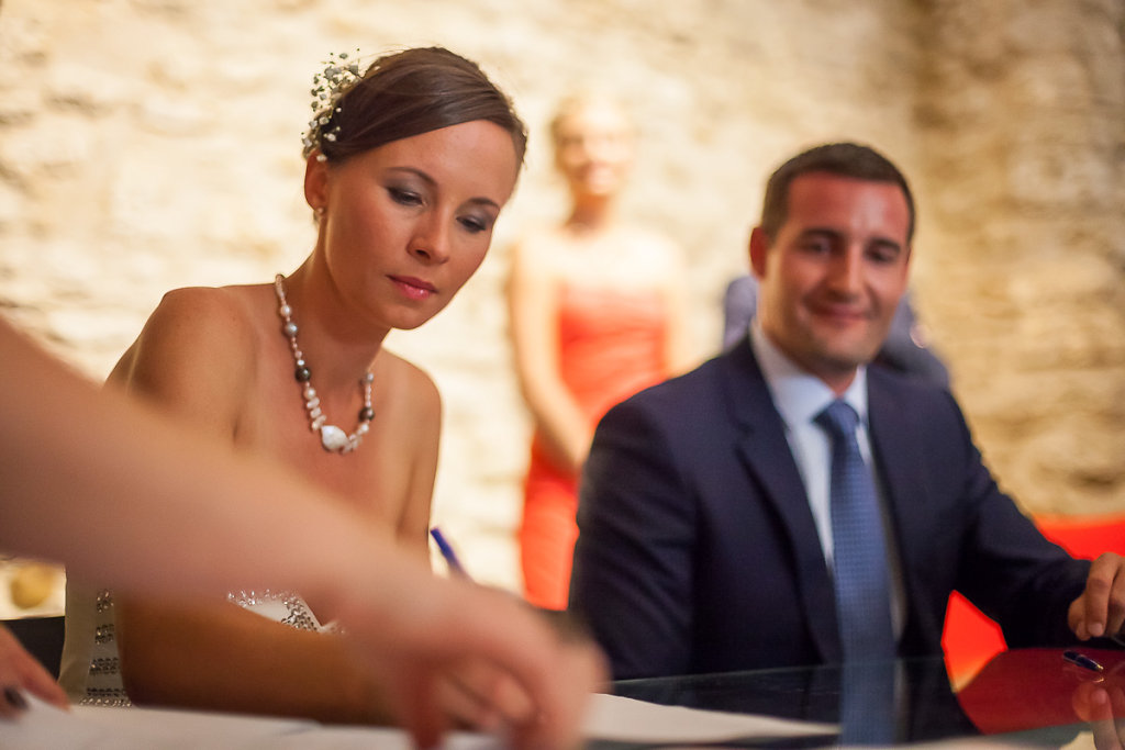 Marine & Guillaume - a wedding in Luberon, Provence