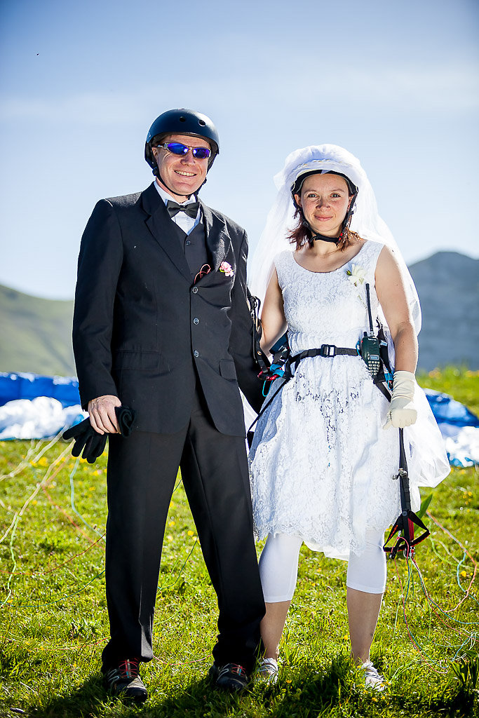 Magalie & Christophe - a paragliding wedding! - French alps